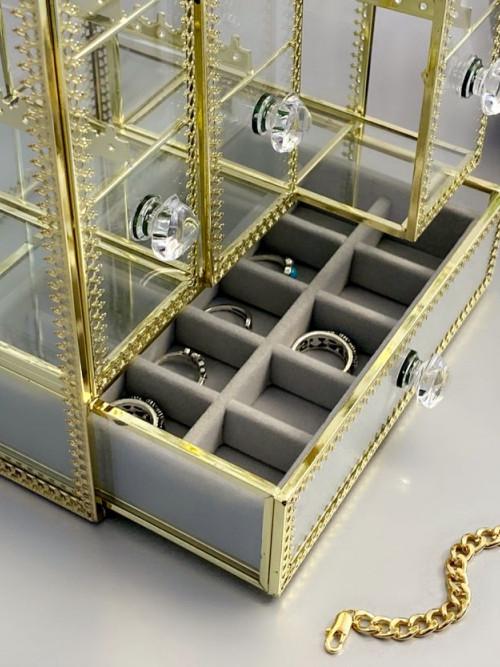 صندوق اكسسورات ومجوهرات زجاجي عصري وحديث